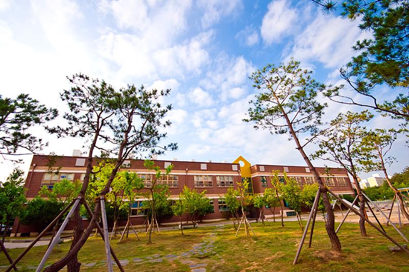 South Korean elementary school building